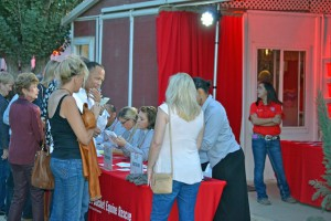 Red Bucket Horse Rescue Gala20151024DSC_3146.JPG0035_edited-1
