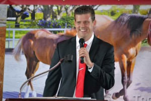 Red Bucket Horse Rescue Gala20151024DSC_3266.JPG0155_edited-1